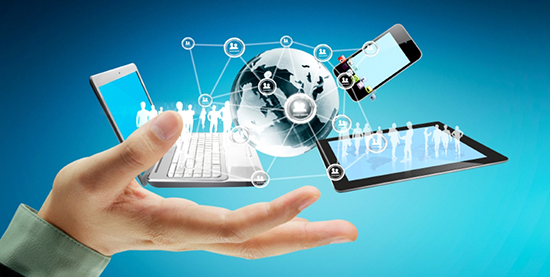 Technology in the h Ứng dụng công nghệ thông tin vào quản lý bất động sản ands of businessmen