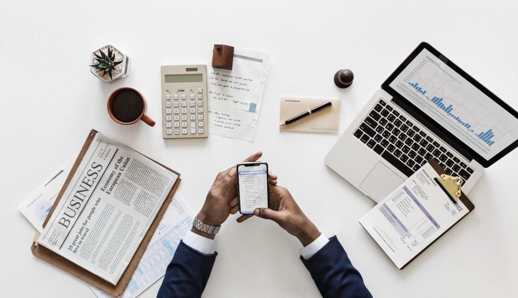 Ứng dụng công nghệ trong dịch vụ và kinh doanh